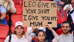 Fans Cilik ke Messi: Kausmu buat Aku, Ibuku Untukmu