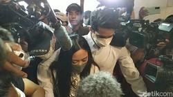 Potret Rachel Vennya Tertunduk Datangi Polda Metro Jaya