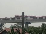 Foto-Foto Penampakan Tabrakan LRT Saat Diuji Coba